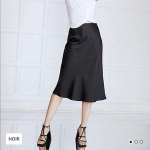ICÔNE, satin skirt, size large